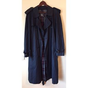 Vintage Burberry's London Trench Coat Size 48 Reg
